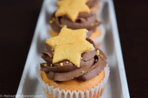 Marzipan Cupcakes auf einem länglichen Teller