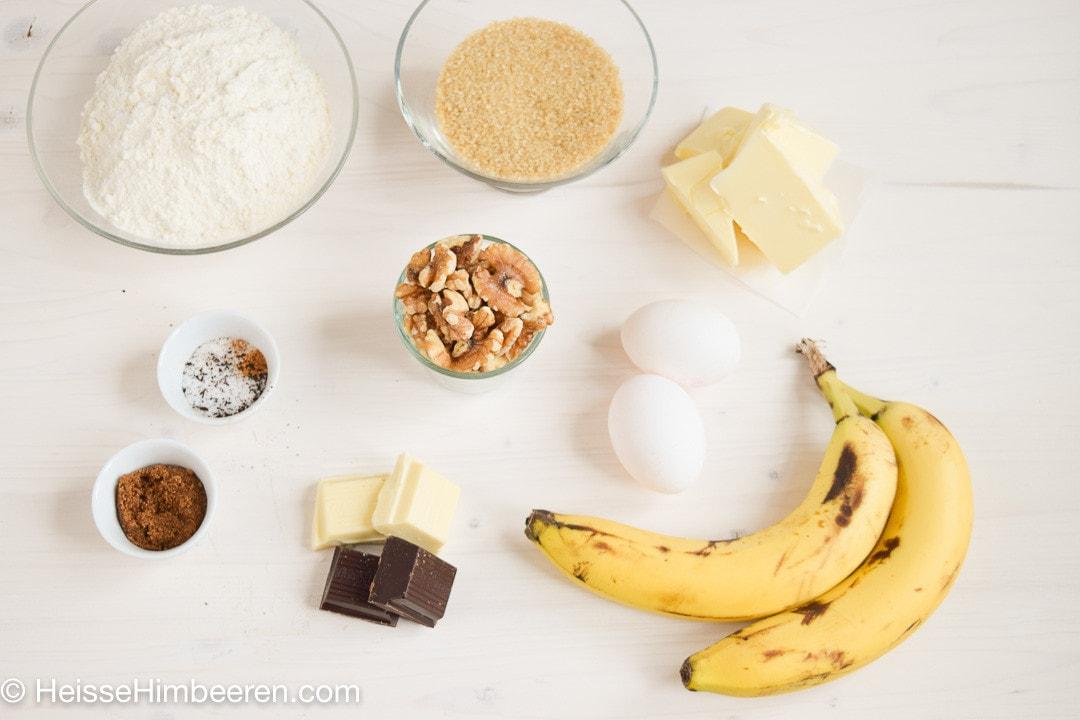 Alle Zutaten für den Bananenkuchen