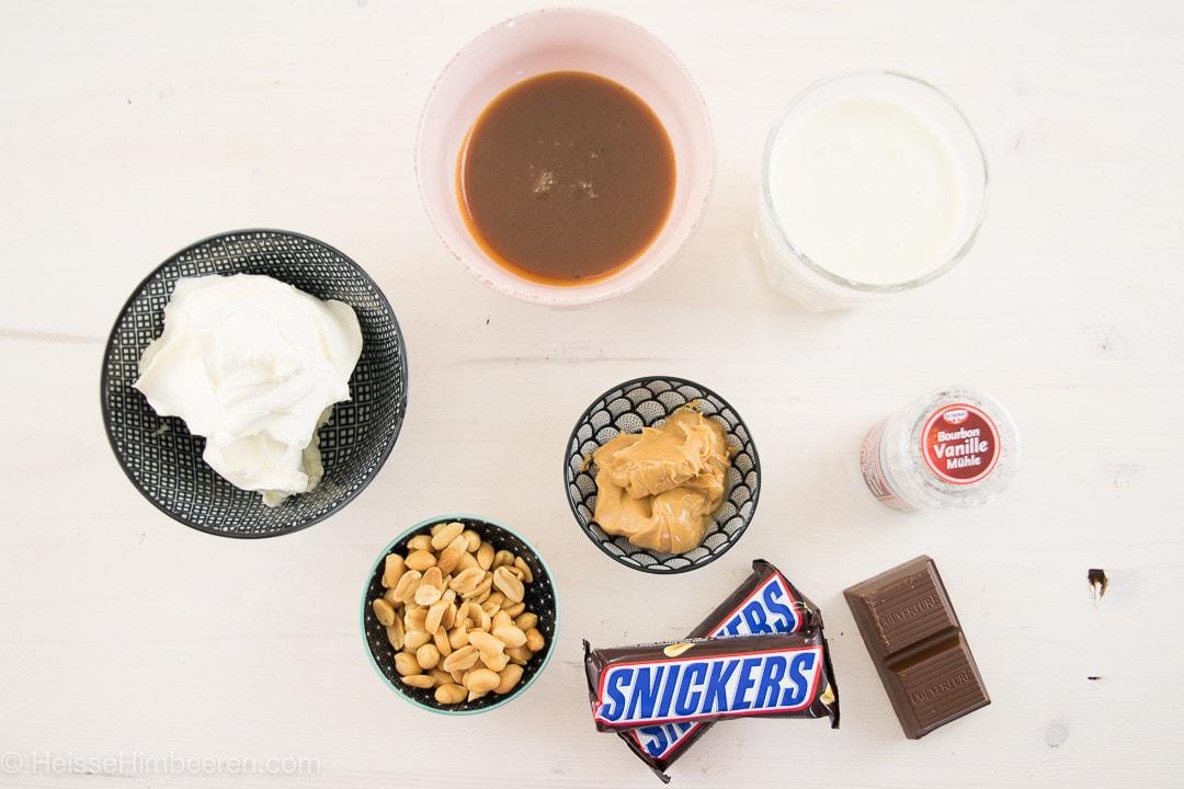 Noch mehr Zutaten für die Snickers Cupcakes und für die Füllung