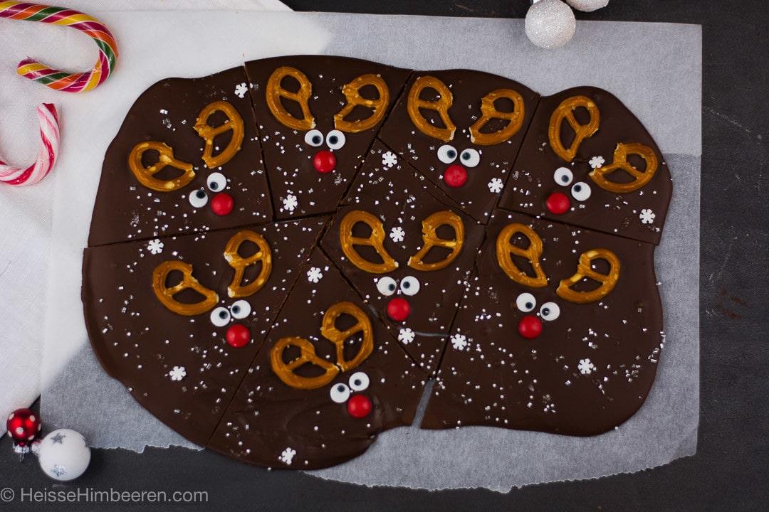 Ein ganzes Bleck voll mit selbstgemachter Rentier Schokolade