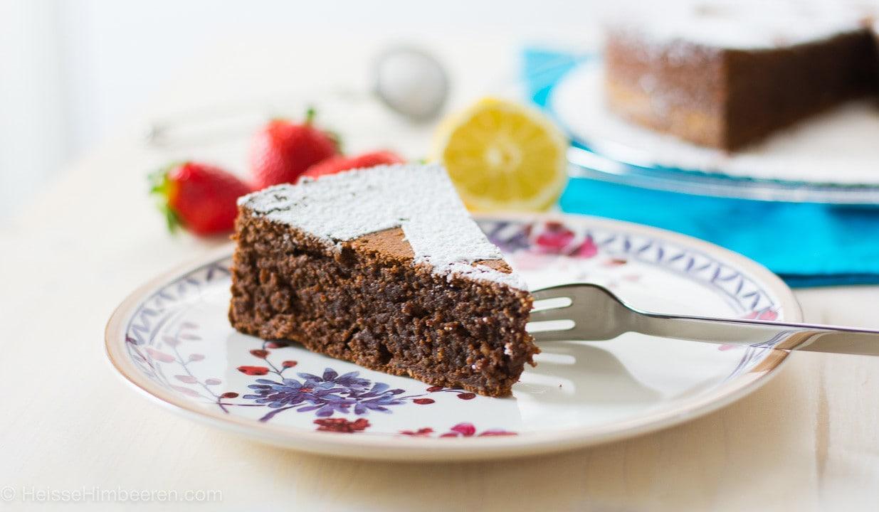 Ein Stück Kuchen auf einem Teller