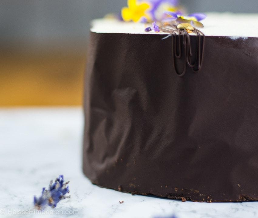 Eine Schokoladenschicht umgibt den Mississippi Mud Pie