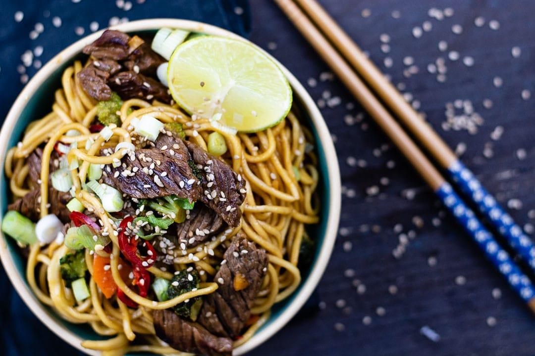 Ein Asia Rezept mit Nudeln und Rindfleisch
