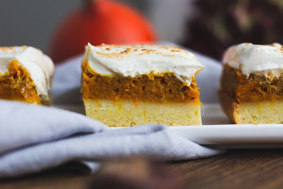 Ein Pumpkin Spice Kuchen in der Nahaufnahme