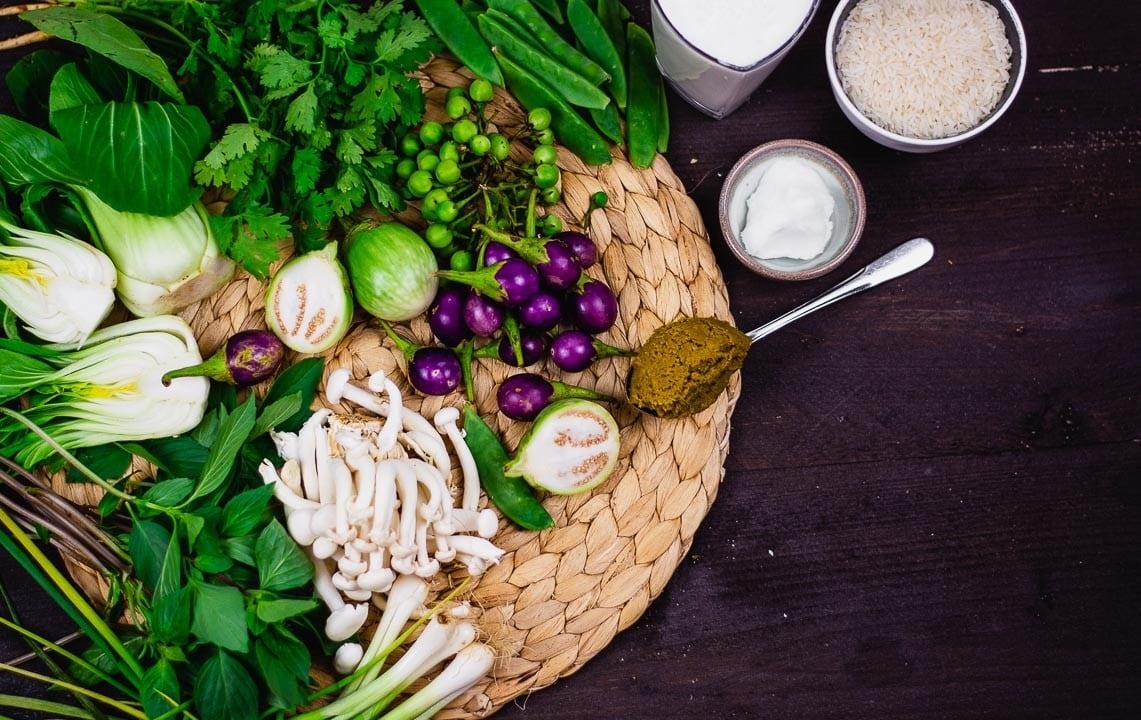 Zutaten für ein grünes Thai Curry