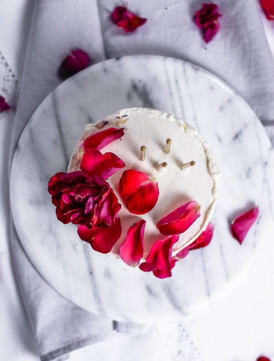 Geburtstagskuchen mit Rosen