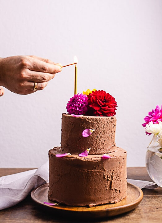 Ein Geburtstagstorten Rezept mit einer Kerze