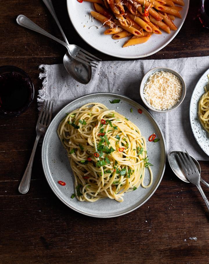 Alle 3 Pasta Rezepte auf einem Tisch